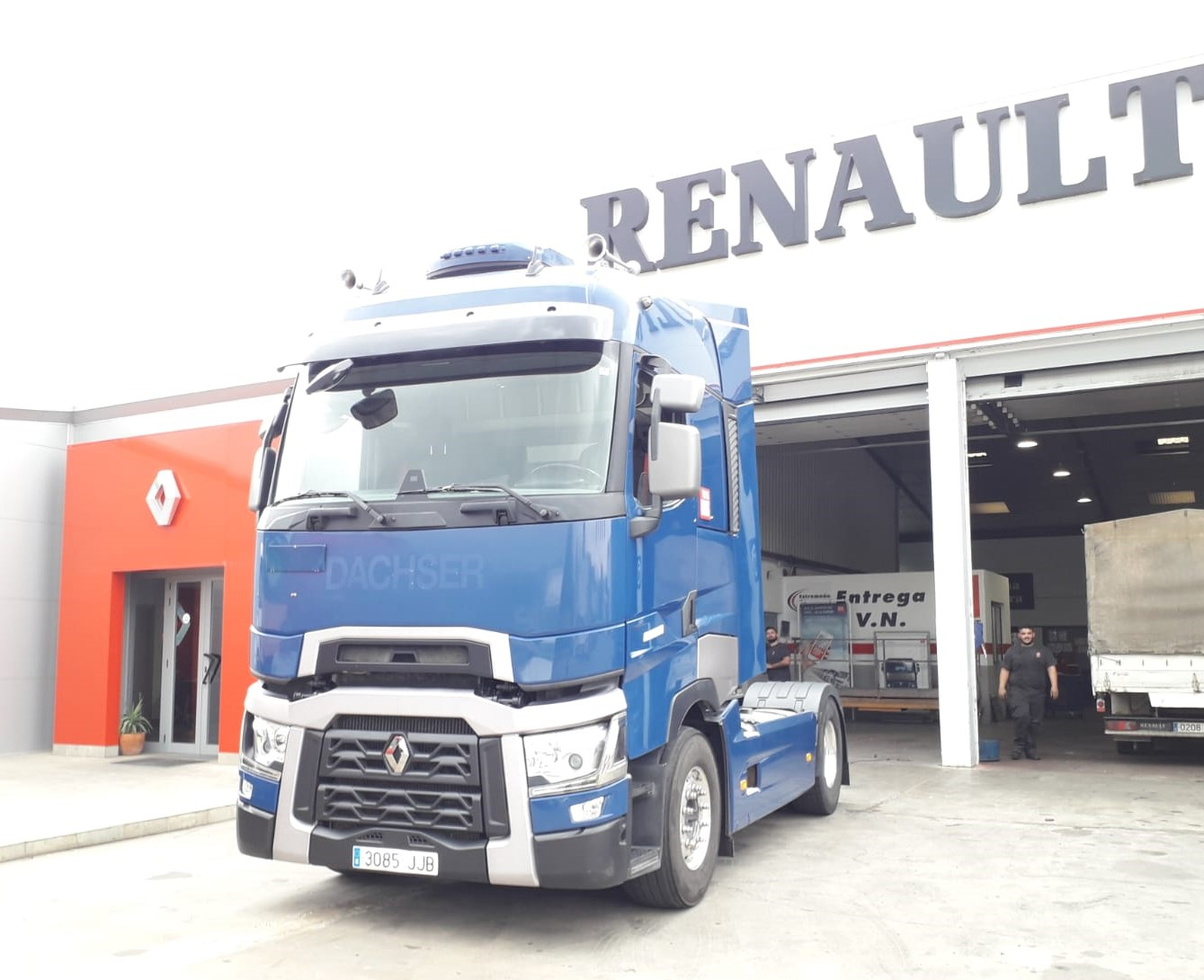 RENAULT TRUNKS T480T HIGH CAB