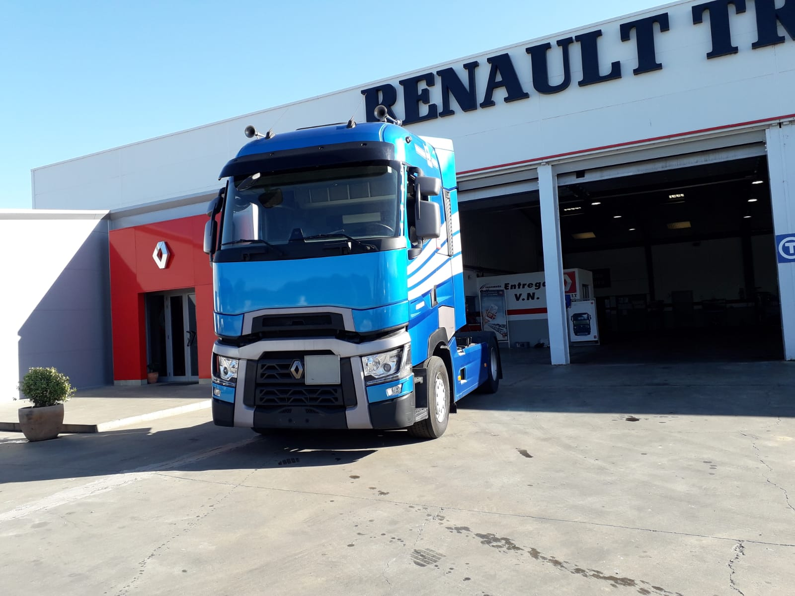 RENAULT T 480 HIGH CAB