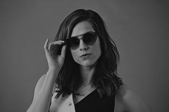 Sophia Abrahão protagoniza filme de Vogue Eyewear