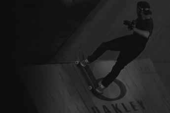 F.biz cria campanha para os calçados Oakley Pro Skate