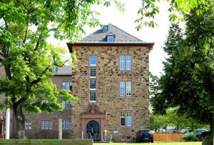 Herrlicher Blick auf das landgräfliche Schloss Butzbach, in dem das Büro von Shopgate sitzt.