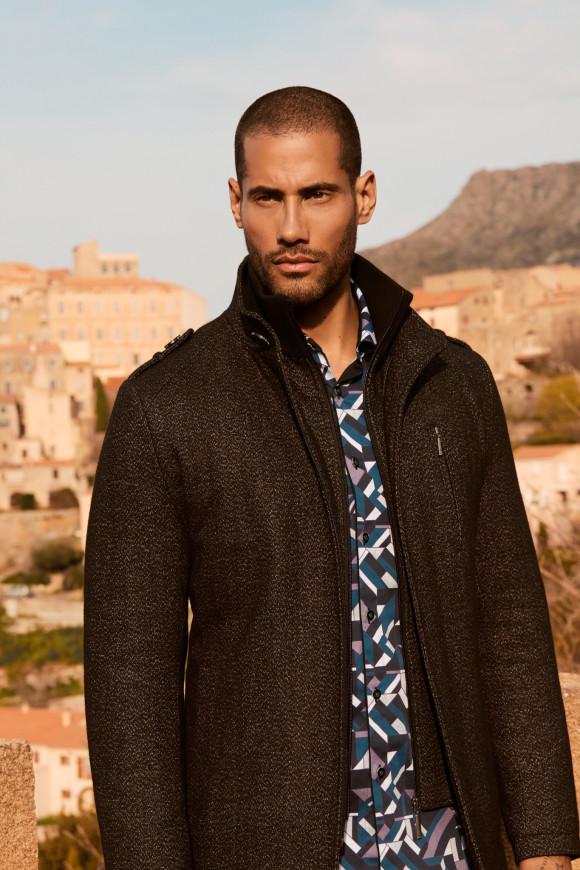 Manteau en laine col haut