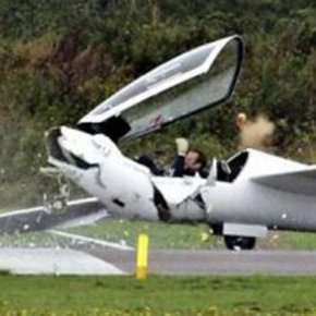 Best 10 Crazy Plane Crashes, Odd Incidents and Accidents