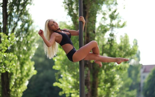 pole dancing classes in dubai