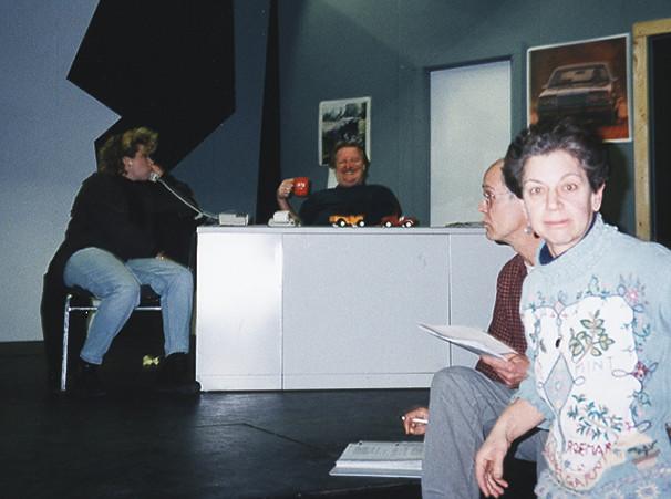 2000 The Motor Trade photo 7