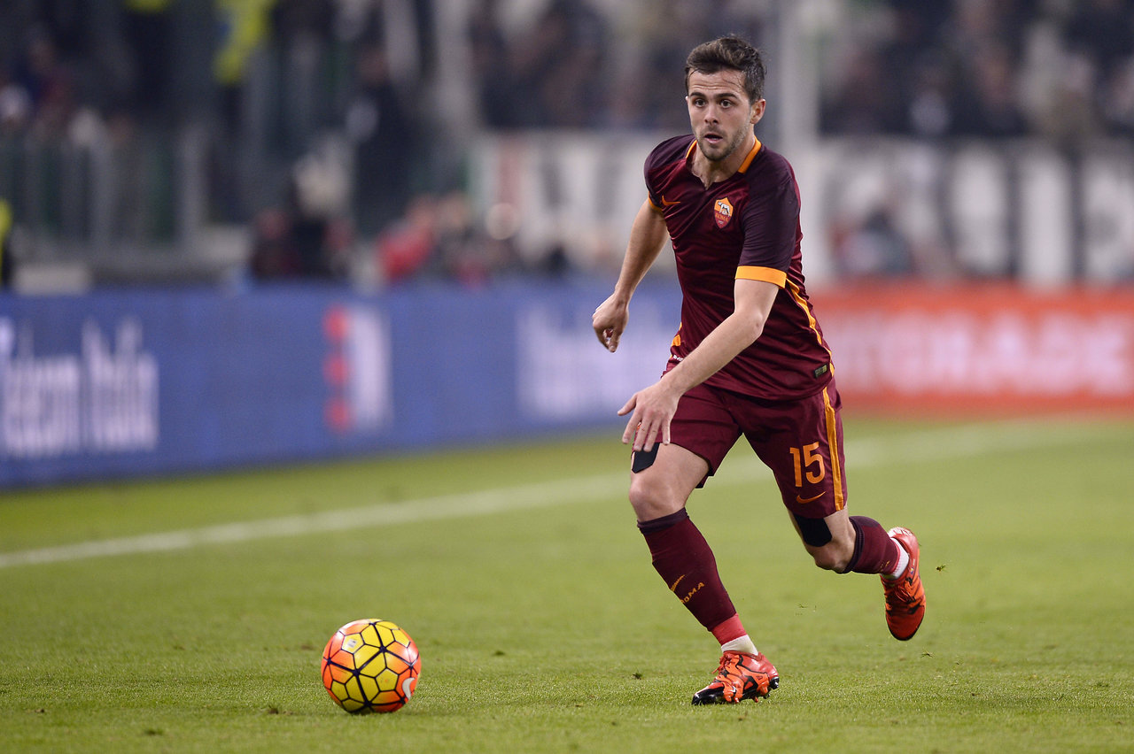 Juventus signs Miralem Pjanic from AS Roma