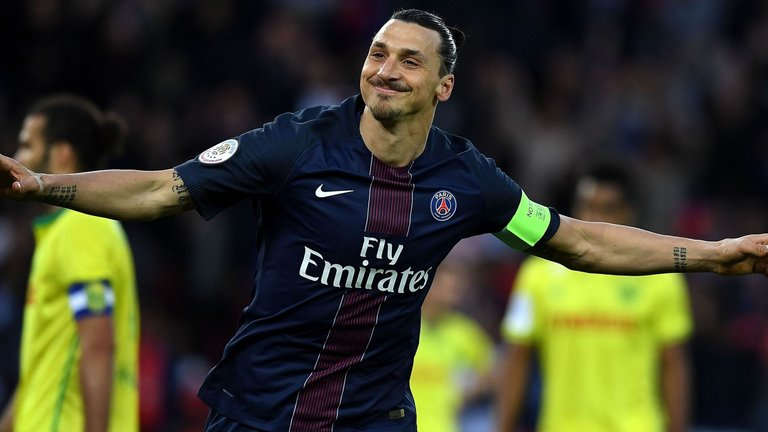 Ibrahimovic confirms Manchester United move