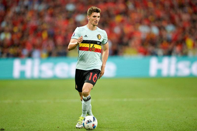 Paris Saint-Germain sign Thomas Meunier from FC Bruges