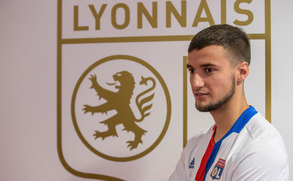 Olympique Lyon sign Emanuel Mammana from River Plate