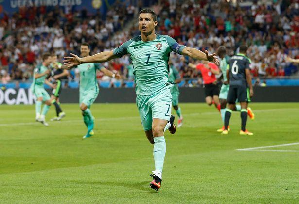 Cristiano Ronaldo vs Wales