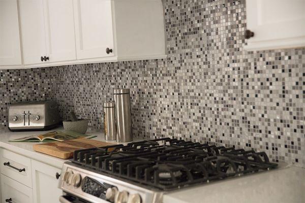 Custom tile backsplash in Kirkwood MO from Flooring Galaxy