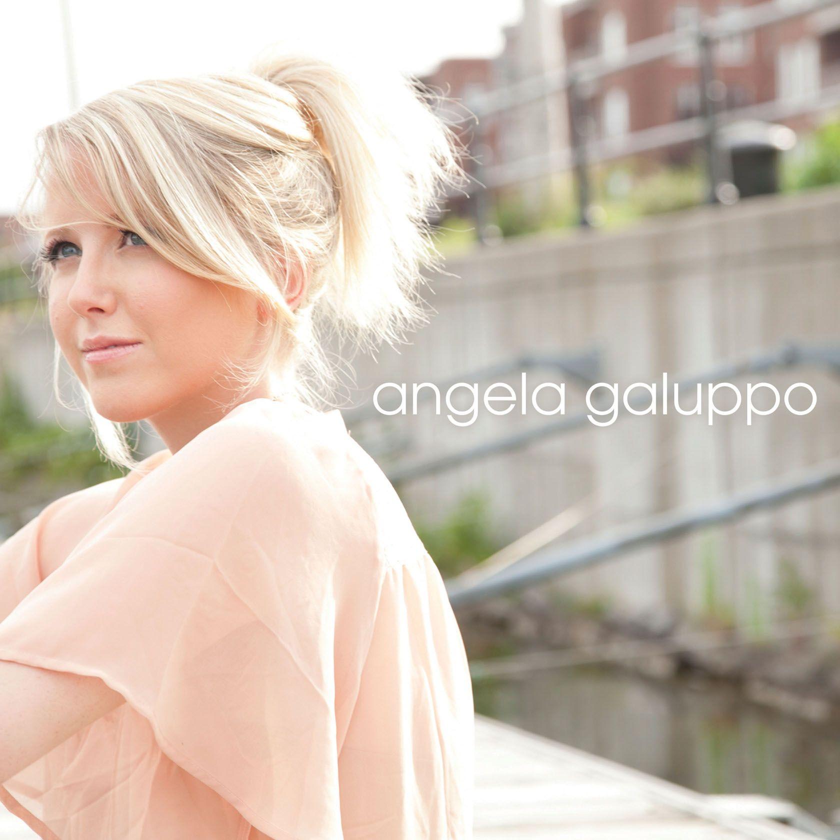 Cover Angela Galuppo