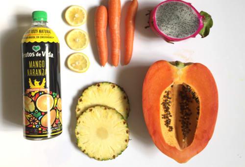 jugo natural y frutas