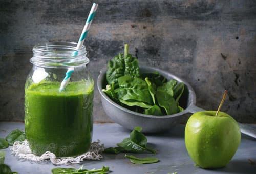 Taro con jugo verde