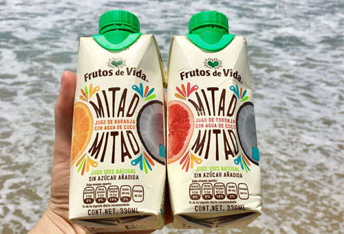 Jugos naturales con agua de coco