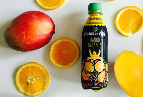 Jugos saludables de mango naranja