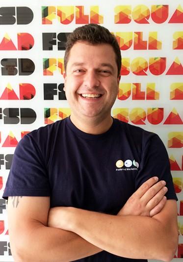 José Octavio < co-founder e CEO >