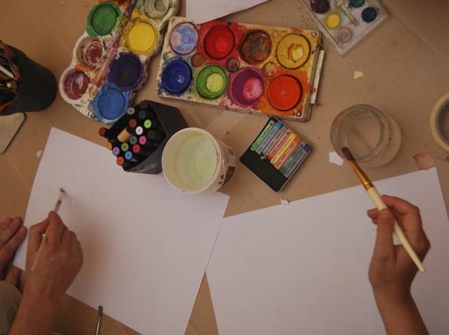 Synliggjord självbild : Hur bildämnet inom kursen estetisk verksamhet kan påverka gymnasieelevers livskvalitet och självbild
