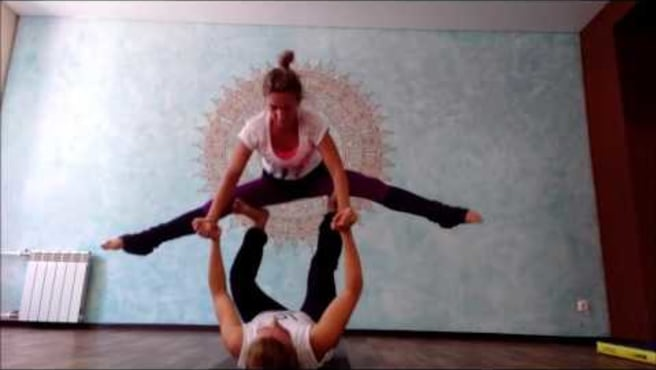 Acroyoga.Pops. From the reverse star in an ashtavakrasana.