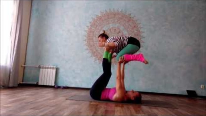 "Acroyoga. Washing  Machine  ""Round the World""."