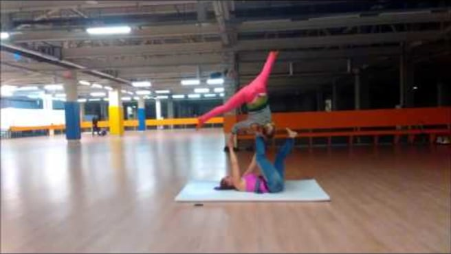 Acroyoga.Acro. Washing machine. Olga and Sveta ( Acroural)