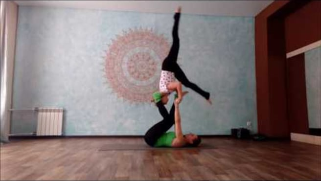 "Acroyoga. Washing  machine ""Foot-to-shin  4- step"""