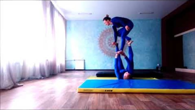 Acroyoga. Washing machine. The AcroSmurfs :)