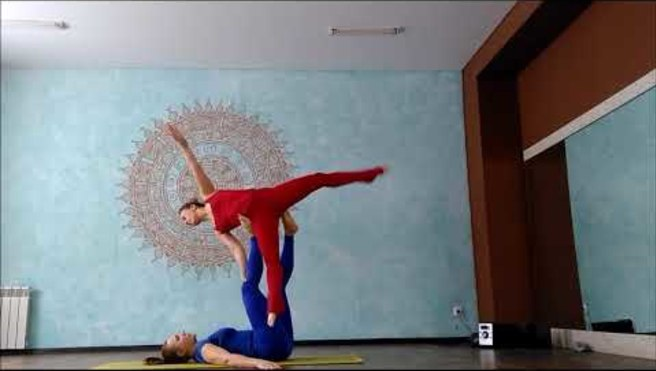"Acroyoga. Washing machine ""Deciduous"". Olga and Sveta. Acroural"