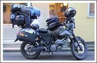 Cargando la moto en Tokio