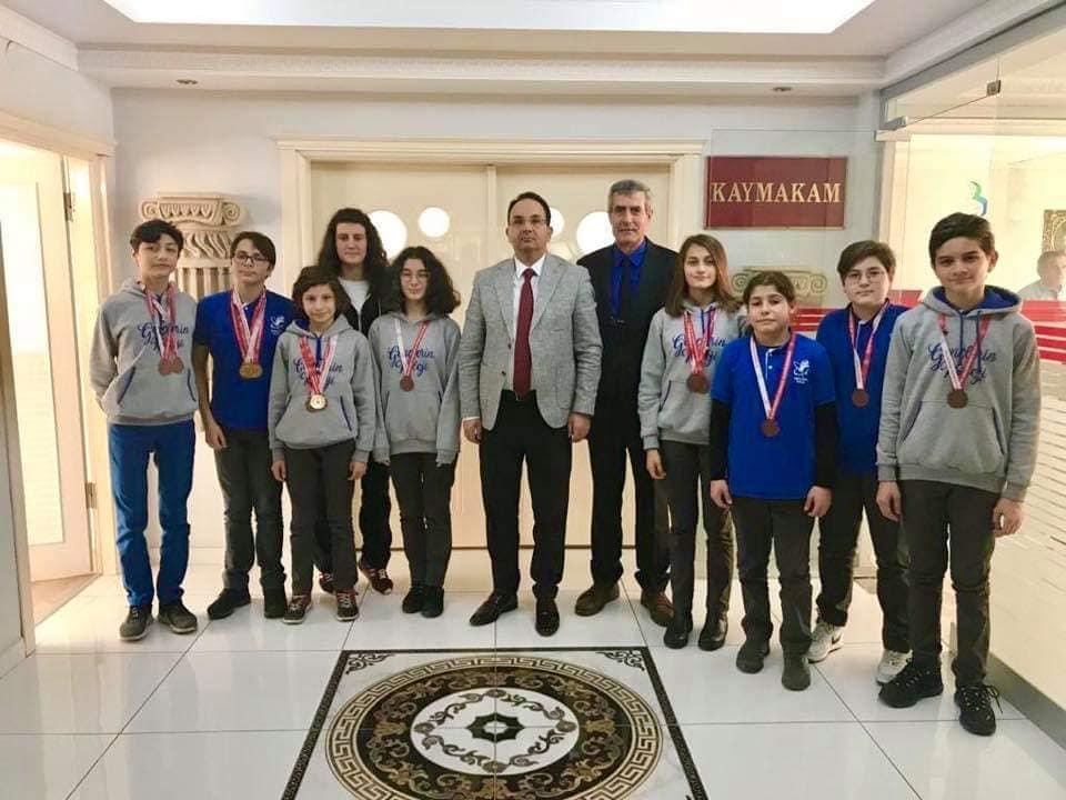 Yüzme Takımından Kaymakam Ertürkmen'e Ziyaret