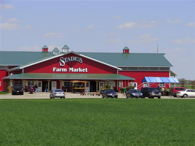 Stade's Farm and Market - Our main farm market at 3709 Miller Road in McHenry, Illinois