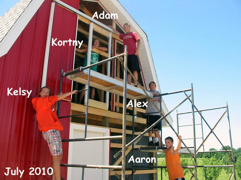 """A.W. Overhiser Orchards - AWO kids at the """"New"""" Animal Barn"""