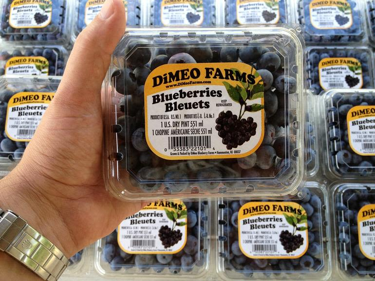 DiMeo Farms & Blueberry Plants Nursery - Blueberries for Sale by DiMeo's NJ Blueberry Farms in New Jersey where you can go blueberry picking with your family and friends. Everyone knows that DiMeo's have the best tasting blueberries fresh from our family blueberry farms: (609) 561-5905