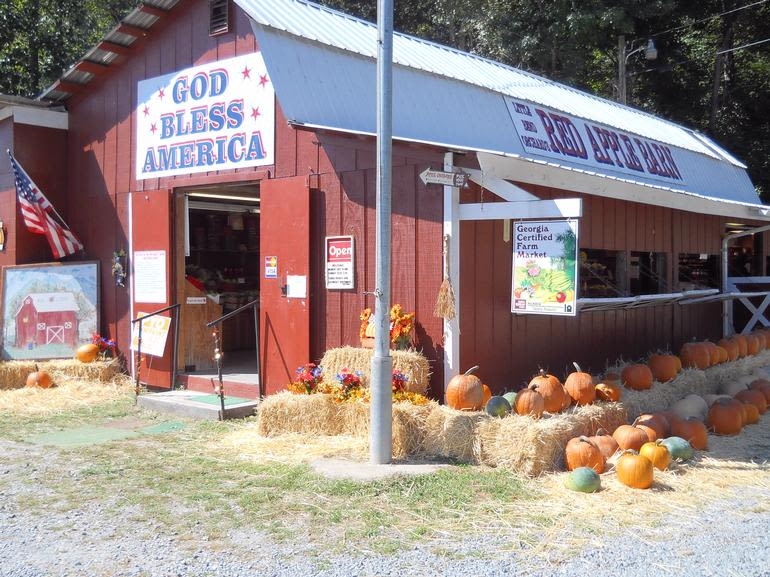 Red Apple Barn - Welcome to the Red Apple Barn located 3 miles west of Ellijay on Ga. Hwy 282/US 76.