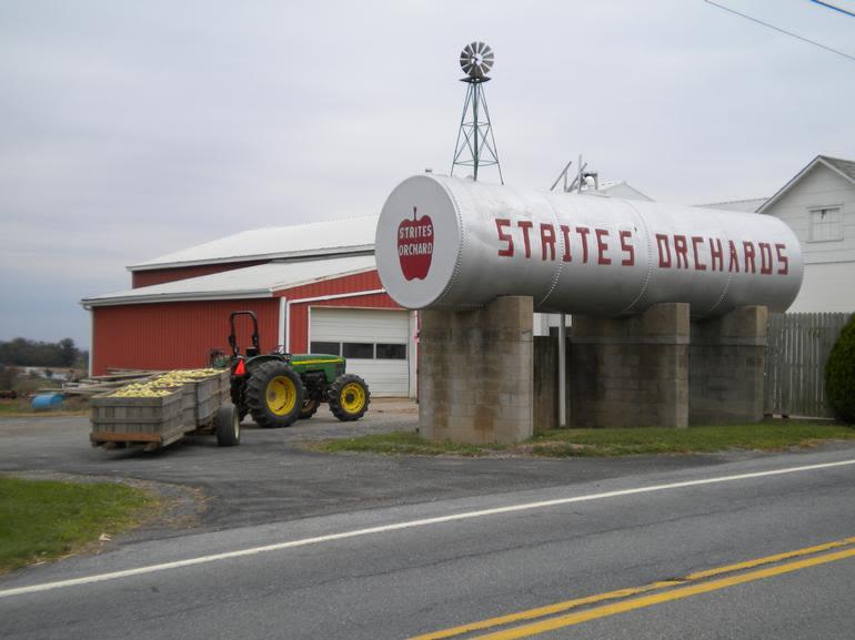 Strites' Orchard Farm Market and Bakery - Image 0