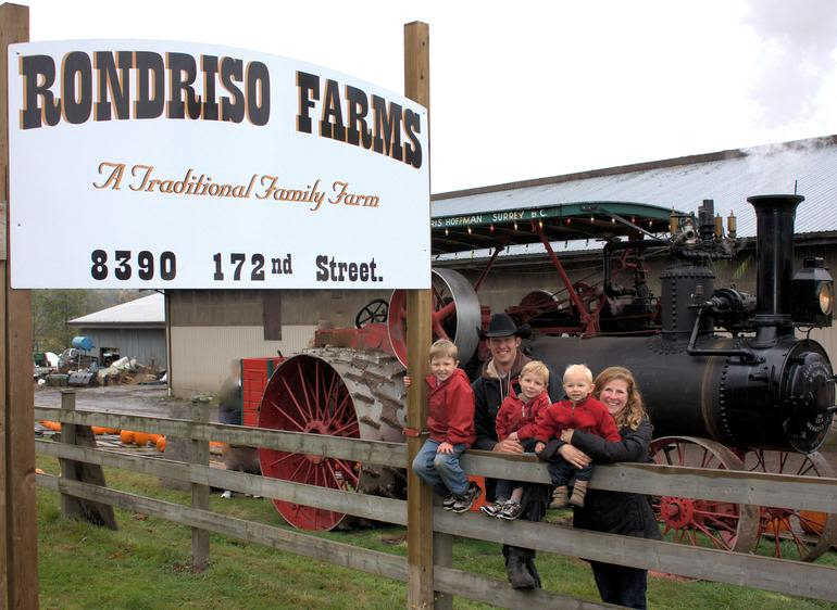 Rondriso Farms - Steam tractor day at our Pumpkin Patch!