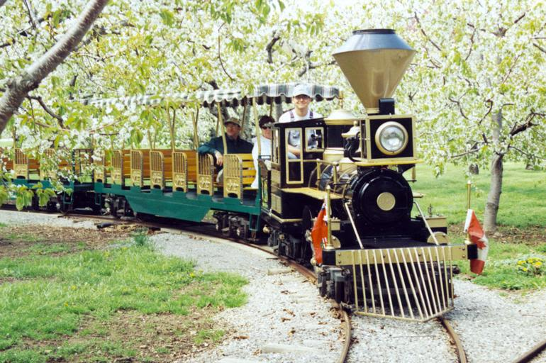 Puddicombe Estate Farms & Winery - Yes while visiting Puddicombe Estate Farms & Winery go for a ride on board Little Pudd, the only agricultural train in Ontario.20 minutes of fun and education. Stop by the farm and creat some great memories.