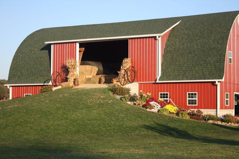 Busy Barns Adventure Farm - Play Barn