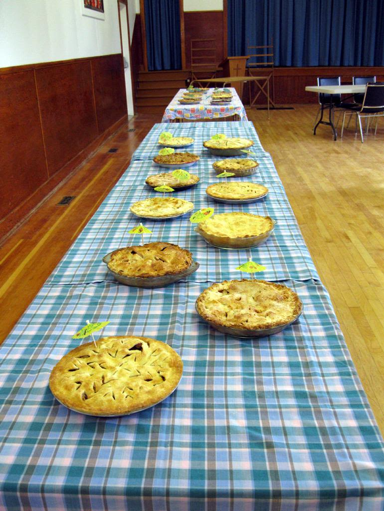 Hill Berry Acres - Cherry and apple pie contest 2011.