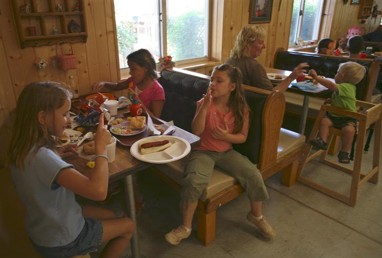 Curtis Orchard & Pumpkin Patch - Cookout-style food is a great lunch every day in September & October.