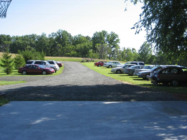 Rolling Ridge Berry Farm - Parking lot