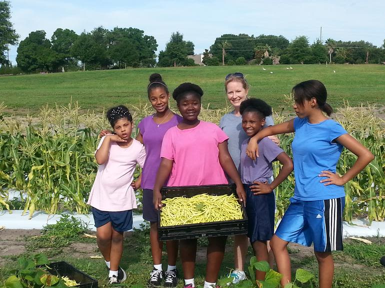 Edgewood Children's Ranch Research Farm & Educational Center - Some of our students harvesting at the ranch.