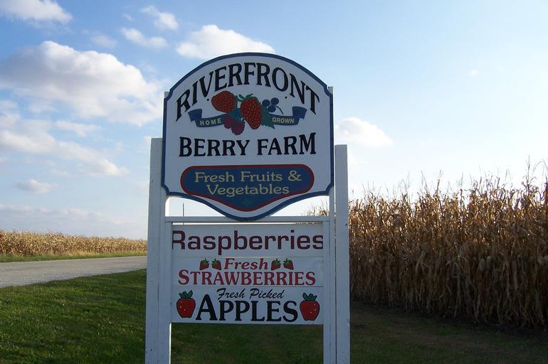 Riverfront Berry Farm - Image 0