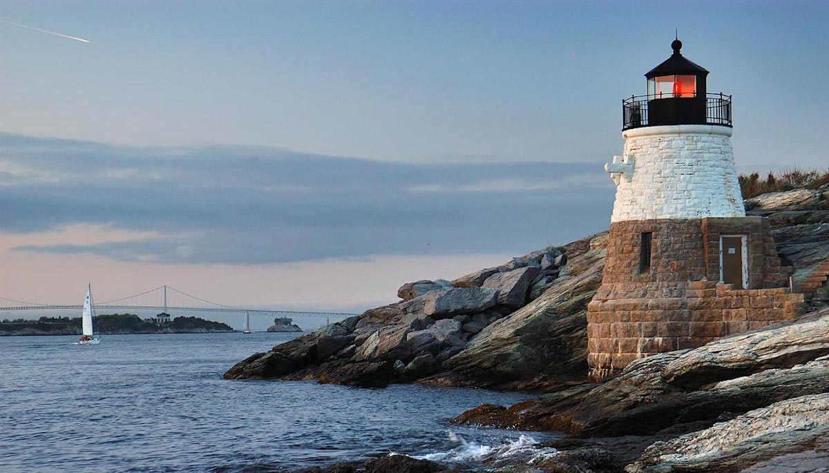 Explore Castle Hill Lighthouse on Narragansett Bay