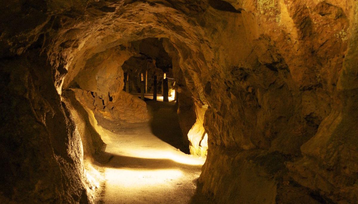 bridge_caverns
