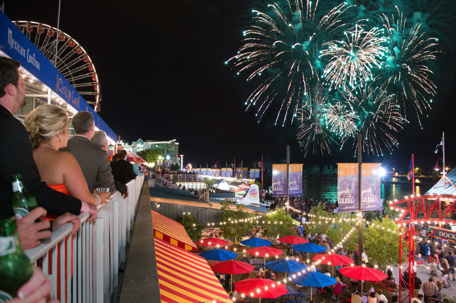 ferris-wheel-navy-pier-dock-fireworks
