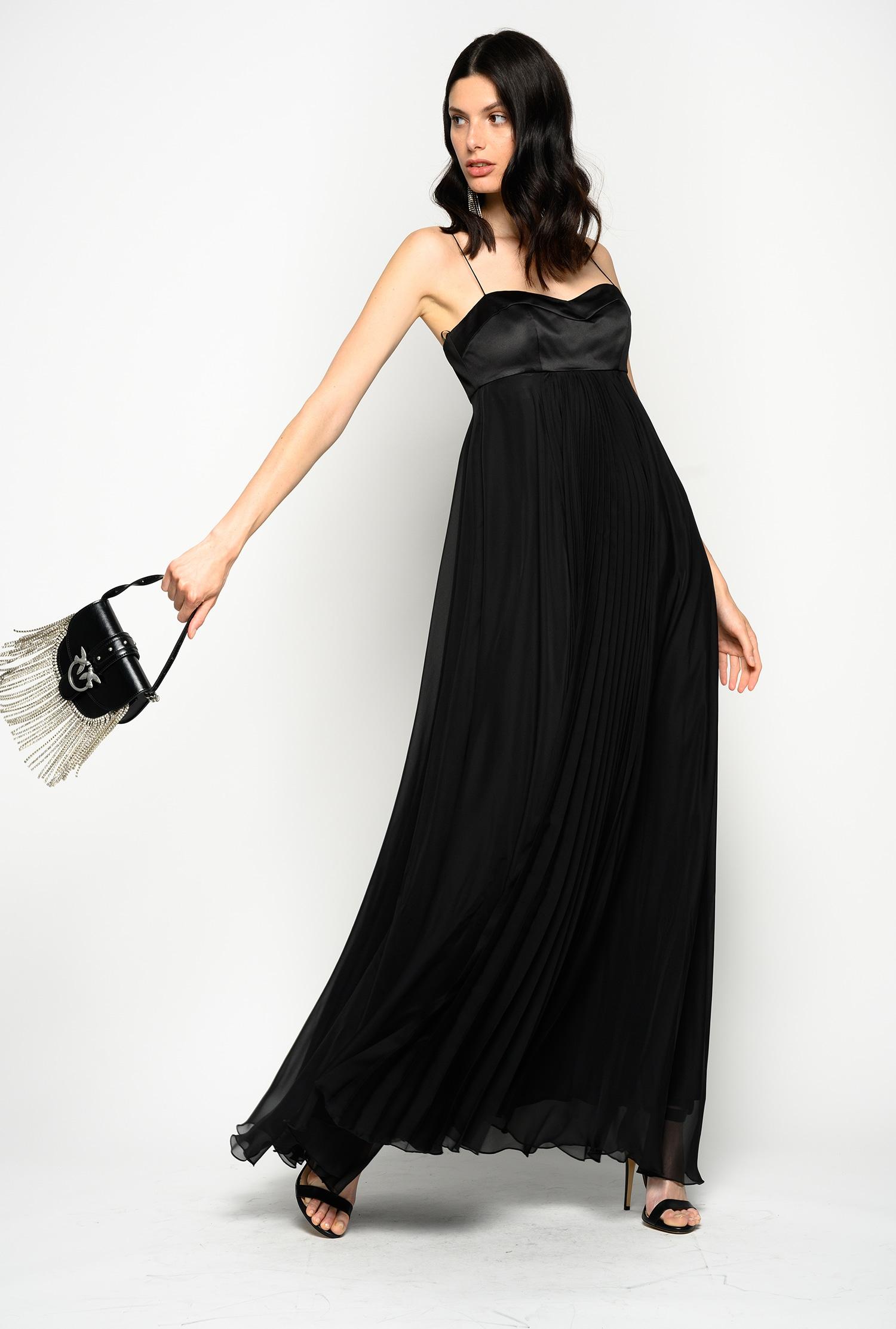 Flowing Sleeveless Chiffon Dress