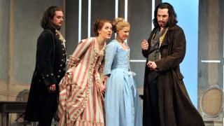 Allan Clayton as Ferrando, Barbara Senator as Dorabella, Sally Matthews as Fiordliligi and Robert Gleadow as Guglielmo