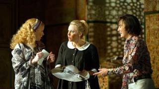 Susanna (Lydia Teuscher), Cherubino (Isabel Leonard) and Countess (Sally Matthews), Le nozze di Figaro 2012.