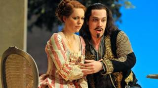 Barbara Senator as Dorabella and Robert Gleadow as Guglielmo
